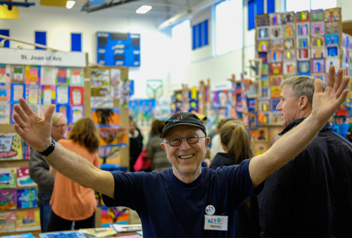 Harvey Pranian celebrates the art of the children of Evanston at the 2017 YEA! Festival. Photo by Jeorg Metzner